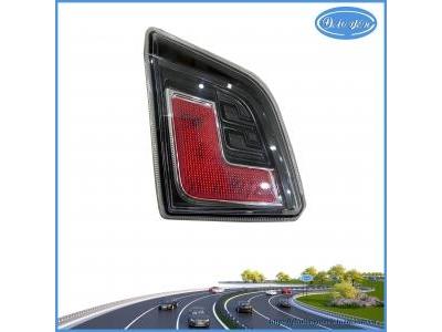 Đèn Phản Quang Trên Cốp Sau Wigo 2021